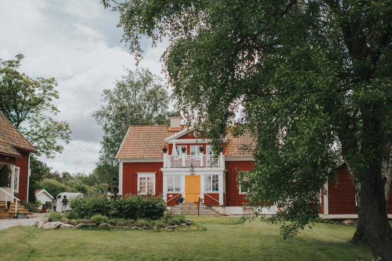 002-melody_martin_swedish_wedding_brollop_hem_till_garden_vasteras_fotograf_henrik_mill