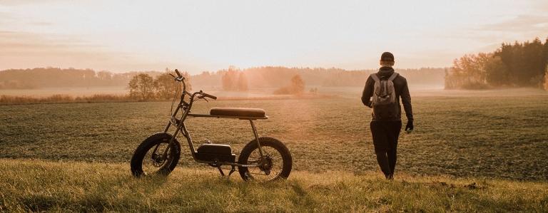 svensk elcykel från Västerås retro terräng fatbike fat tires feta hjul däck