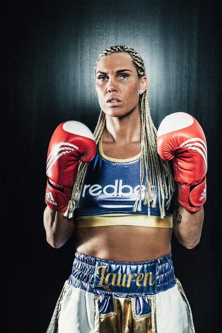 006-mikaela_lauren_swedish_Super_Welterweight_in_the_world_boxer__fotograf-henrik-mill