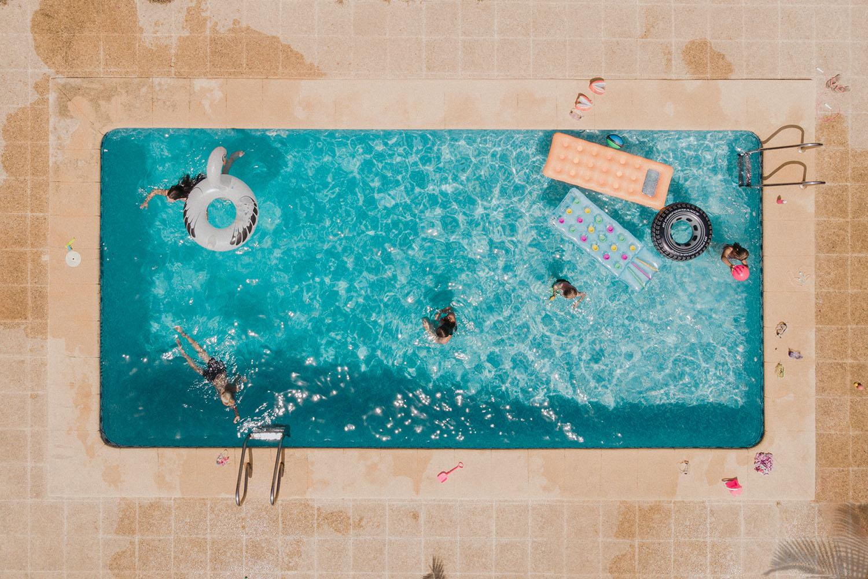 Drönarfoto Pool uppifrån Drone Photography Henrik Mill Sweden